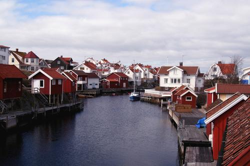 Viktiga affärer att hålla koll på när man semestrar i Sverige